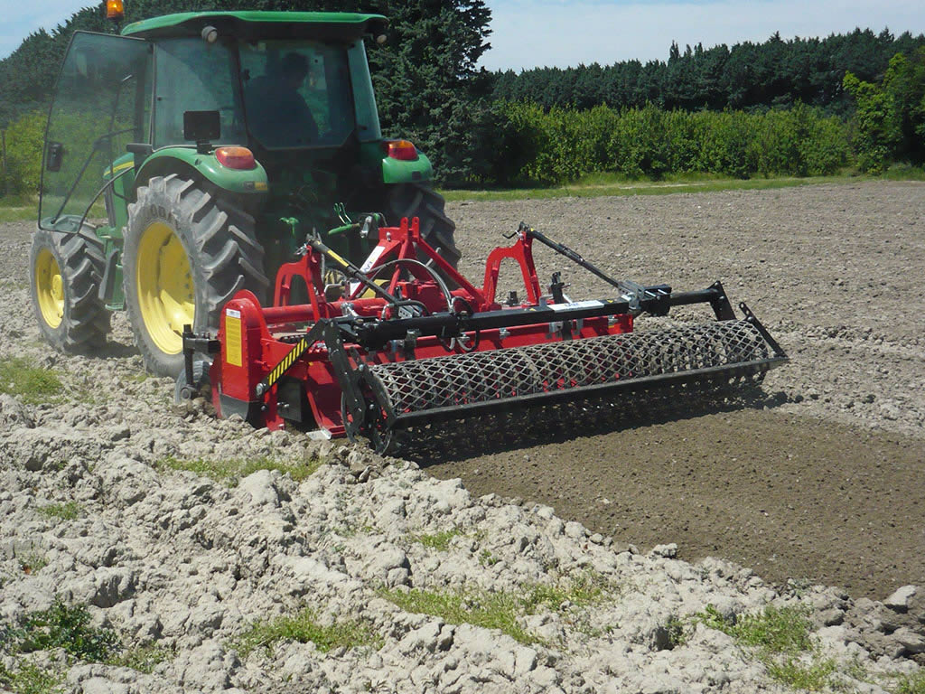 Massano agricultural machinery - Stone buriers with rear roller